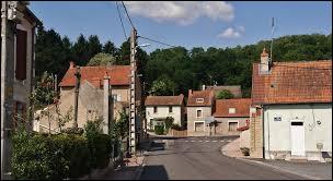 Nous terminons notre balade à Saint-Prix. Village Bourbonnais, il se situe en région ...
