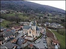 Nous sommes en Auvergne-Rhône-Alpes, à La Muraz. Commune de l'agglomération du Grand Genève, elle se situe dans le département ...