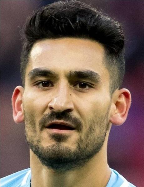 Reconnaissez-vous ce footballeur ?