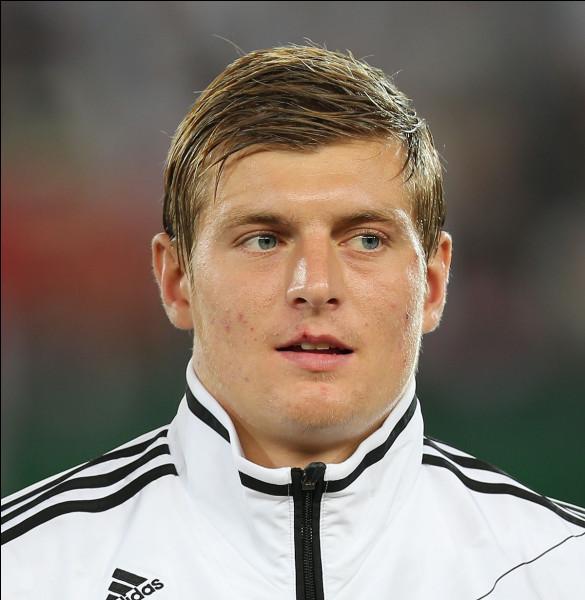 Identifiez ce footballeur !