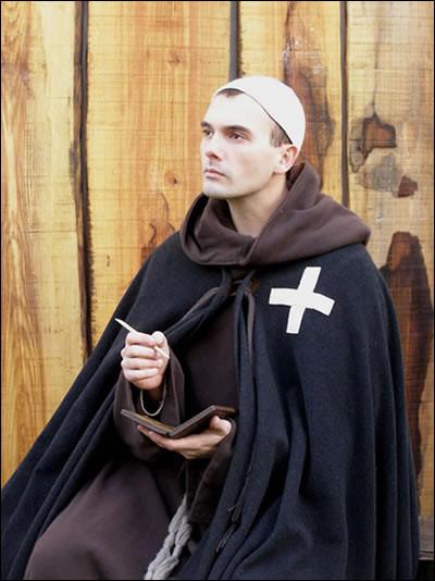 Un clerc, c'est...