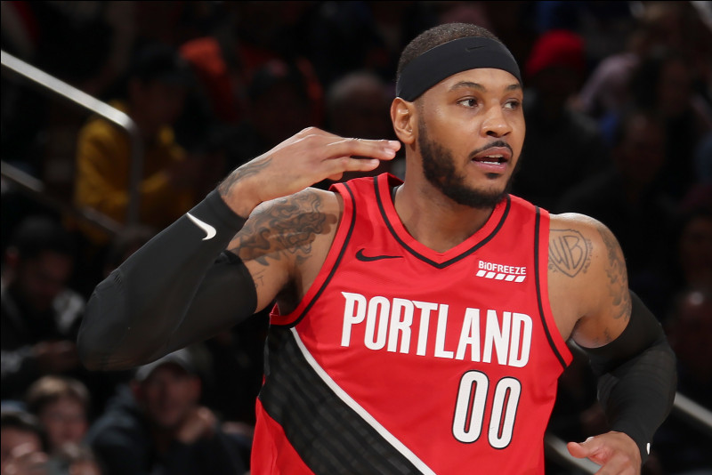 Dans quel sport s'illustre Carmelo Anthony ?