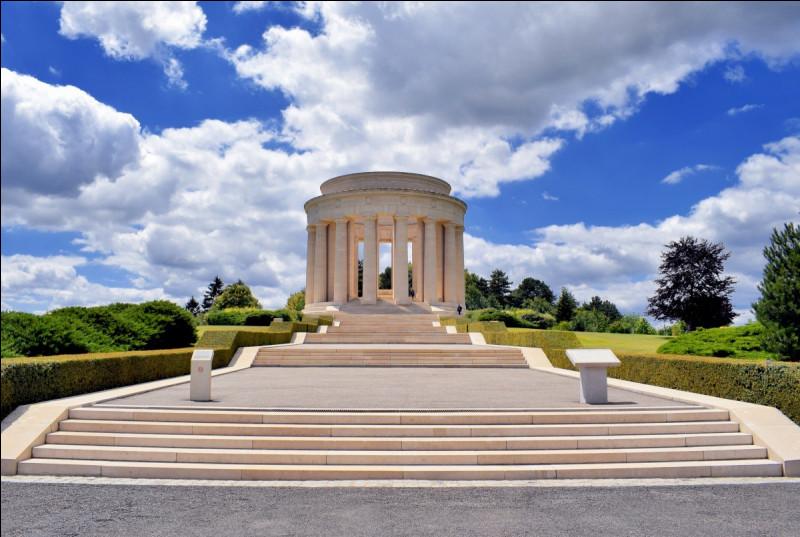 À Montsec en Lorraine, quel est le nom du mémorial érigé après la Seconde Guerre mondiale ?