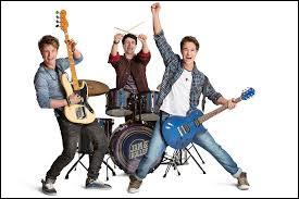 Lequel de ces garçons ne fait pas partie du Roller Band ?