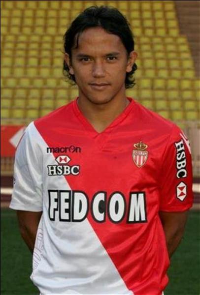 Dans quel club Marama Vahirua n'a-t-il jamais joué ?