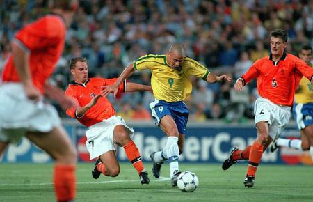Les Nostalgiques (foot 90 et 2000)