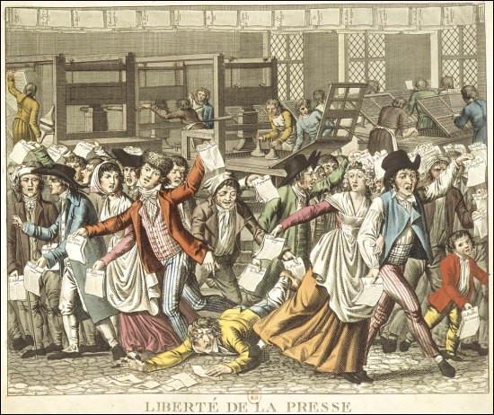 Que signifie cet extrait de Napoléon : « Réprimez un peu les journaux, faites-y mettre de bons articles, faites comprendre aux rédacteurs des Débats et du Publiciste [...] que le temps de la Révolution est fini [...] que je ne souffrirai jamais que les journaux disent ni fassent rien contre mes intérêts. »