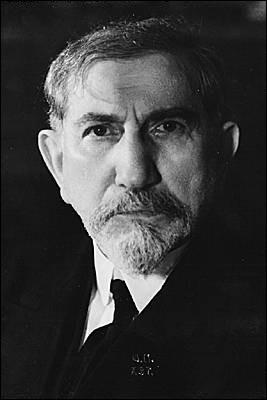 Écrivain et homme politique français (1868-1952) aux idées fascistes, il est l'un des fondateurs de l'Action française, soutient le régime de Vichy et est condamné en 1945 à la détention à perpétuité. C'est :