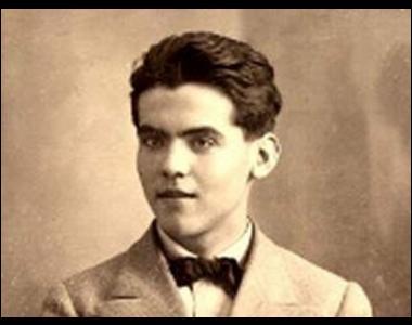 """Ce poète et dramaturge espagnol, auteur de """"Noces de sang"""", du poème """"Vuelta de paseo"""", c'est ... García Lorca."""