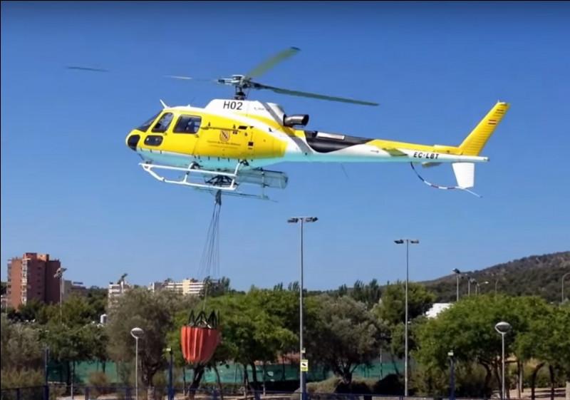 Notre hélicoptère possède un Bambi bucket afin de circonscrire un feu, inaccessible aux engins terrestres. Il peut aussi transporter des personnes. De quel type d'hélicoptère fait-il partie ?