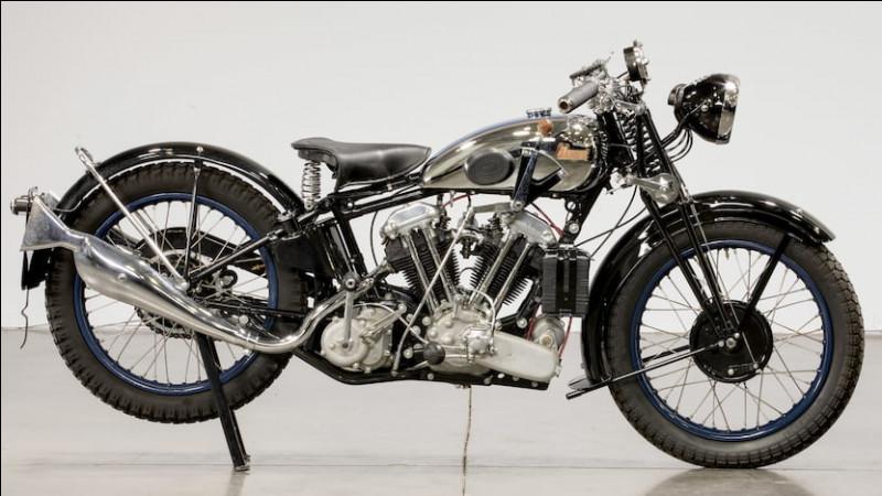 De quelle marque est cette moto de 1932 ?