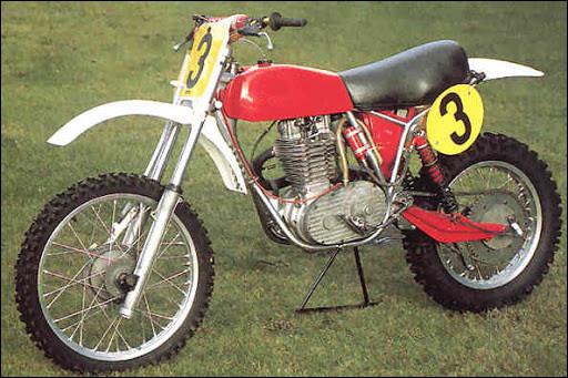 Quelle est cette moto 500 de cross ?