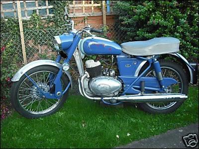 Quelle est cette moto 250 de 1959 ?