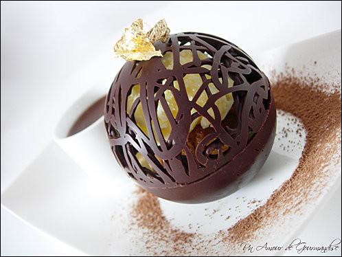 Mariage parfait du fruit et du chocolat, accompagné d'une glace vanille, c'est une recette ancestrale.