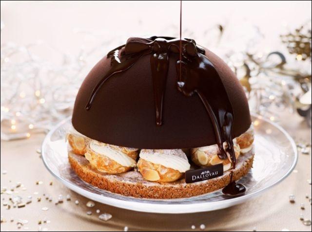 Des choux craquants, garnis de glace, sous un torrent de chocolat, je défaille !