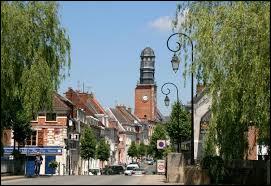 Ville picarde de 6000 habitants, située sur l'Authie, aux limites de l'Artois :