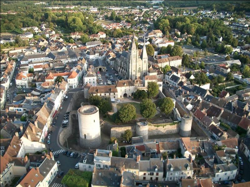 Ville d'Île-de-France, dans le département de l'Essonne, traversée par la rivière l'Orge :