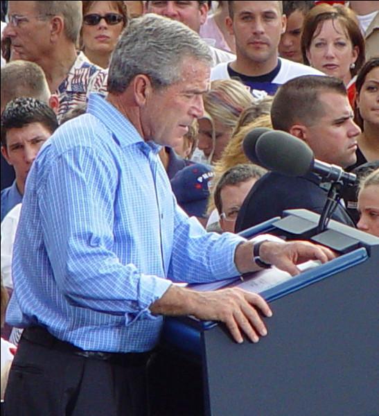 En 2004, George W. Bush est réélu face au démocrate...