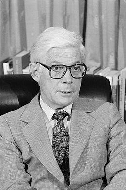 En 1980, John B. Anderson se présente comme candidat indépendant : il ne remporte aucun État, et obtient...