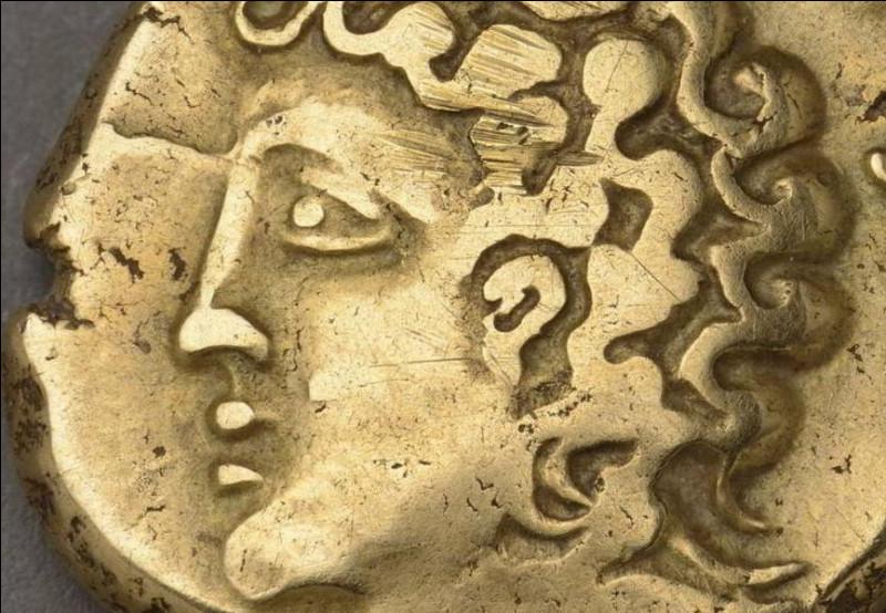 Qui fut proclamé chef de la coalition gauloise à Bibracte, l'été 52 av. J.-C. ?