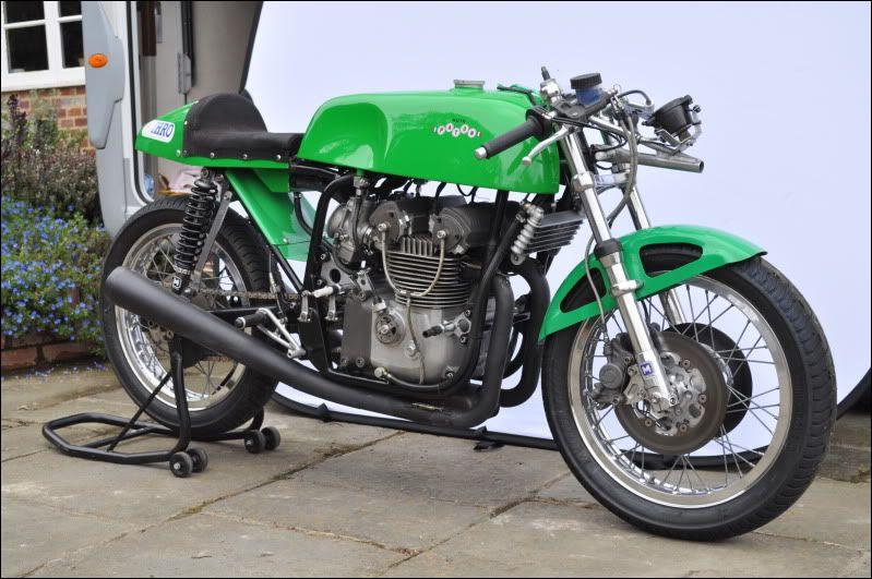 Quelle est cette moto de course 500cc ?