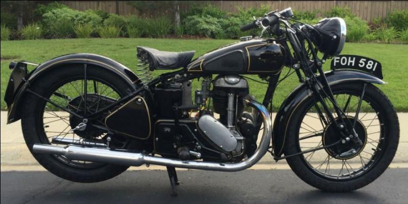 Quelle est cette moto de 1939 ?