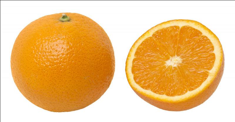 Quel est cet agrume à chair juteuse et sucrée qui contient de la vitamine C ?