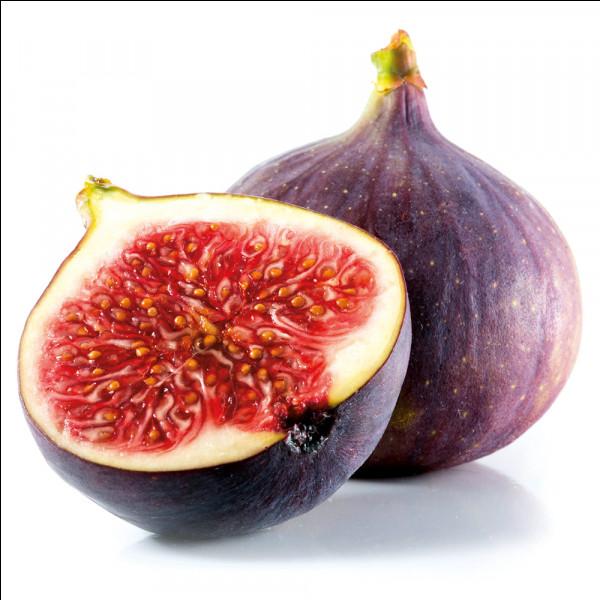 Quel est ce fruit moelleux et sucré considéré comme le plus vieux fruit domestiqué ?