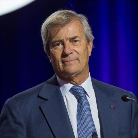 Cet homme d'affaires, à la tête d'un groupe de transport, de logistique, et de communication et dont la fortune est estimée à 6 milliards d'euros, c'est ... Bolloré.
