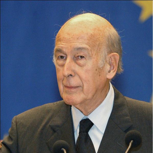 Cet homme politique, onze ans ministre des finances puis Président de la République de 1974 à 1981, se prénomme ...