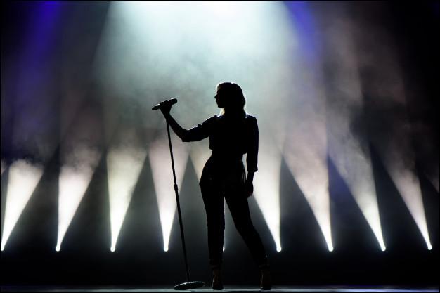 Qui chantait ces paroles ''Nuit tu me fais peur, nuit tu n'en finis pas'' ?