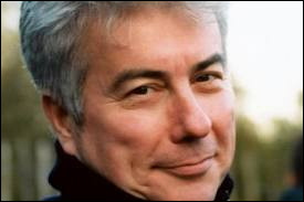 Qui est cet écrivain britannique, auteur du roman ''Peur blanche'' ?
