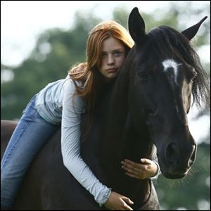 """Ouragan est un cheval du livre """"Whisper"""", comment s'appelle un de ses maîtres ?"""