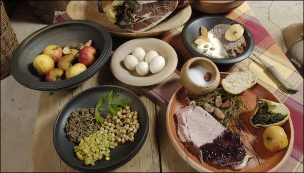 Quels plats les habitants de Bibracte auraient-ils pu manger ?(2 réponses exactes)