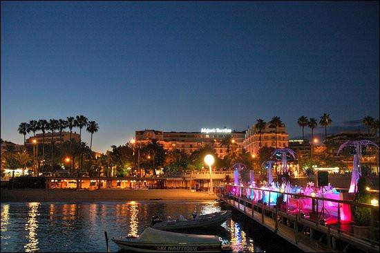 Qui sont les habitants de Cannes ?