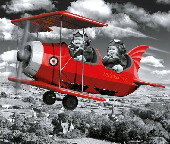"""""""Plane Crazy"""" est un dessin animé de Disney où un héros célèbre tente d'embrasser sa future fiancée pour la première fois à bord d'un avion. Qui sont-ils ?"""