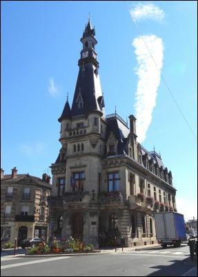 Petite ville de 5000 habitants du département de la Marne arrosée par la Vesle :