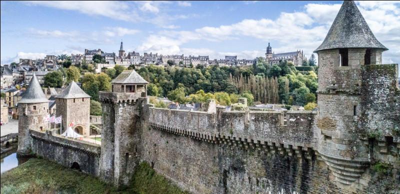 Ville de 25 000 habitants du département d'Île-et-Vilaine, située aux confins de la Normandie et du Maine, connue pour son imposant château médiéval :