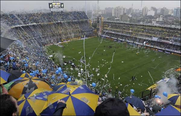 Si on assiste à un match au stade de la Bombonera, dans quel pays est-on ?