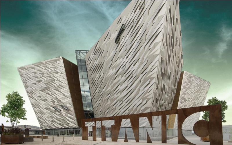 Qu'est-ce que le Titanic a heurté ?