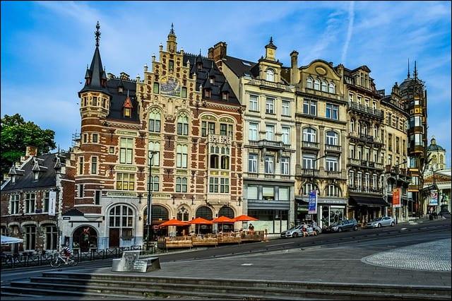 Trouvez le pays de Charleroi.