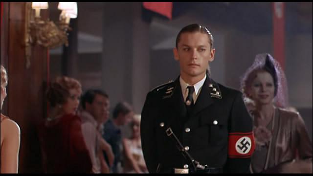 Ce film de Luchino Visconti, chronique d'une famille d'industriels allemands lors de l'avènement du nazisme, c'est ...