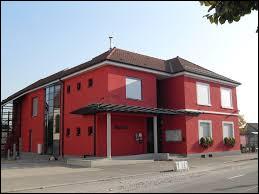 Commune du Grand-Est, dans l'agglomération Mulhousienne, Niffer se situe dans le département ...