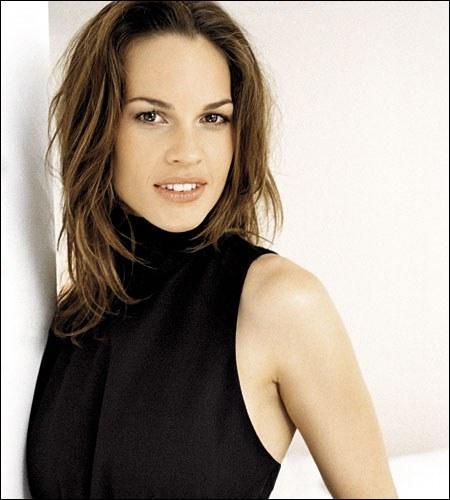 Cette actrice a remporté deux fois l'Oscar de la meilleure actrice pour ses rôles dans 'Boys Don't Cry' et 'Million Dollar Baby'.