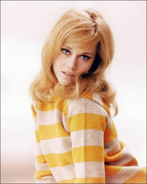 Cette actrice a remporté deux fois l'Oscar de la meilleure actrice pour ses rôles dans 'Klute' et 'Le Retour'.
