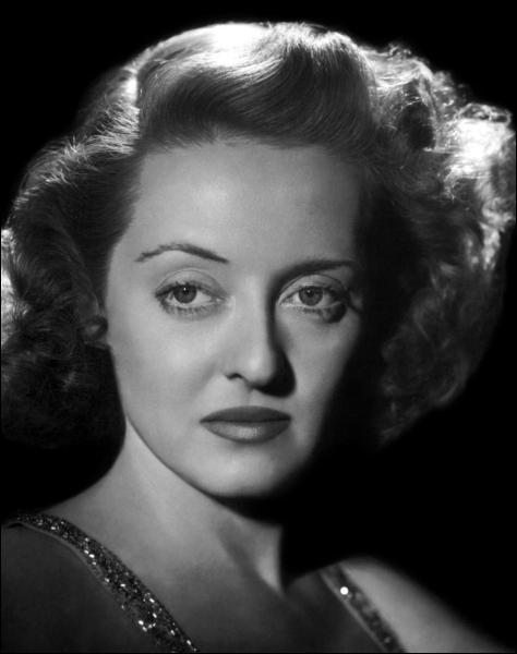 Cette actrice a remporté deux fois l'Oscar de la meilleure actrice pour ses rôles dans 'L'Intruse' et 'L'insoumise'.
