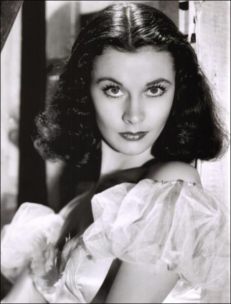 Cette actrice a remporté deux fois l'Oscar de la meilleure actrice pour ses rôles dans 'Autant en emporte le vent' et 'Un Tramway nommé Désir'.
