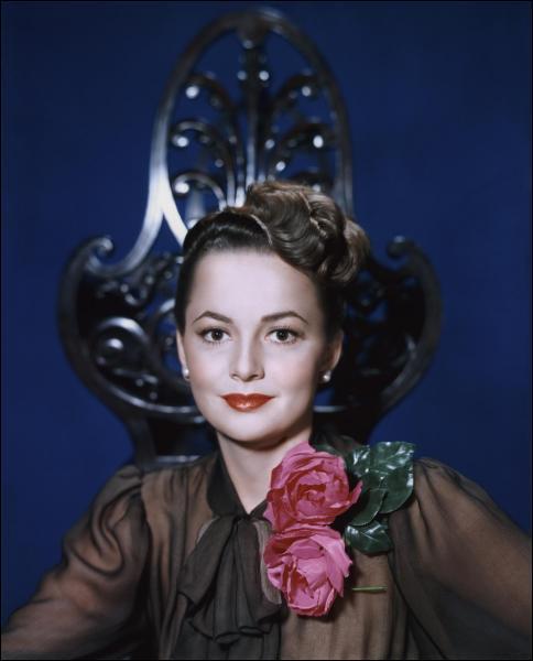 Cette actrice a remporté deux fois l'Oscar de la meilleure actrice pour ses rôles dans 'À chacun son destin' et 'L'Héritière'.