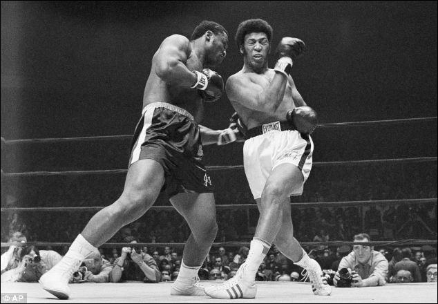 Ce boxeur conserve, à deux reprises en 1970, son titre de champion du monde poids lourds, c'est ...