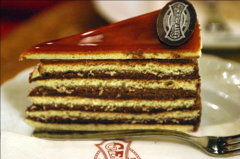 D'où vient le Dobos, pâtisserie alternant couches de génoise et de crème au chocolat, qu'a pu apprécier l'impératrice Sissi ?